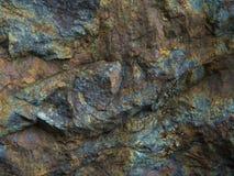 Каменная предпосылка, фон стены утеса с грубой текстурой Стоковое Изображение RF