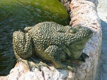Каменная скульптура жабы Стоковые Фотографии RF