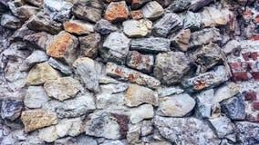 Каменная старая стена от огромных блоков Предпосылка камней концепция надежности Красивый текстурированный винтажный антиквариат Стоковые Изображения