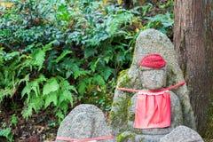 Каменная статуя в виске Kiyomizu-dera Стоковое Изображение