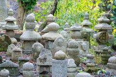 Каменная статуя в виске Kiyomizu-dera Стоковые Изображения RF