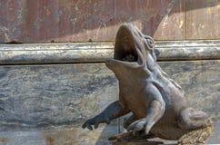 Каменная статуя лягушки Стоковые Изображения RF