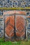 Каменная стена старой мельницы гранита трясет, старый masonry с ol Стоковое Изображение RF