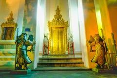 Каменная Тайск-китайская скульптура стиля и тайская архитектура искусства двери Стоковая Фотография RF