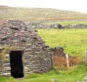 Каменная хата или Clochan в Ирландии Стоковые Изображения