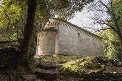 Каменная часовня на Сан Quilico в центральной Корсике Стоковые Изображения RF