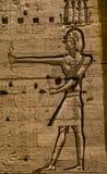 Каменное иероглифическое резное изображение на виске Philae стоковое изображение rf