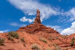Каменное образование в диком ландшафте пустыни в долине богов в Юте, США стоковые изображения