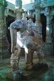 Каменное резное изображение на виске Ranakpur Jain, Раджастхане, Индии Октябрь 2009 стоковое изображение