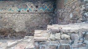 Каменные лестницы в старой комнате Стоковые Фотографии RF