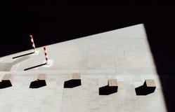 Каменные кубы на мостоваой Стоковые Фотографии RF