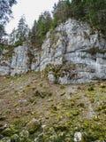 Каменные образования приближают к водопаду du ду saut в области d стоковые фотографии rf