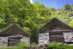 Каменные дома, Rustico, Тичино стоковые изображения rf