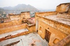 Каменные стены индийского янтарного форта Стоковое Изображение