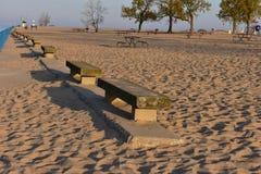 Каменные стулья на пляже Голландии Стоковые Фото