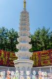Каменные фонарики дня рождения buddhas пагоды, фонарик лотоса, Корея стоковые изображения