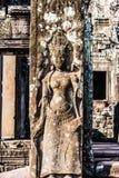 Каменные штендеры высекаенные как угол, старый стиль кхмера стоковые фото