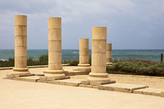 Каменные штендеры на Caesaria Стоковое фото RF