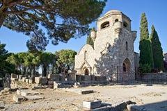 Каменный висок в акрополе Ialysos Это archealogical место в и вокруг холме Philerimos в Ialysos Родосе Греции стоковые фотографии rf