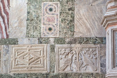 Каменный высекать на фасаде собора Сан Marco Стоковое Изображение