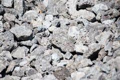 Каменный гравий на строительной площадке как предпосылка стоковые изображения rf