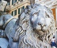 Каменный лев в конце вверх Стоковые Фотографии RF