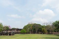 Каменный замок в парке Phimai историческом на предпосылке голубого неба, Nakhon Ratchasima, Таиланде Стоковое Изображение