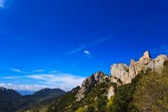 Каменный замок cathar Peyrepertuse в Франции Стоковое Фото