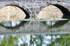 Каменный мост свода в Китае стоковая фотография