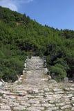 Каменный мост Kalogeriko пути на ущелье Vikos Стоковое Изображение RF