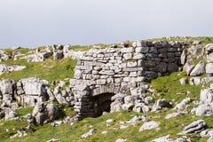 Каменный свод на получившейся отказ шахте в Англии стоковое изображение rf