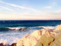 Каменный строб барьеров и море в piran Словении Стоковая Фотография RF