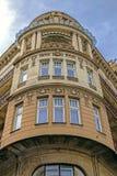 Каменный фасад на классическом здании belgrade Сербия стоковые фотографии rf