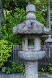 Каменный фонарик на святыне Yasaka-jinja Стоковое Изображение