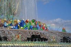 Каменный фонтан на территории выставки достижений национальной экономики стоковое изображение