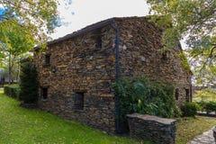 Каменный шифер дома стоковое фото rf