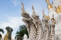 Каменный Naga в виске Таиланда Стоковое Изображение RF