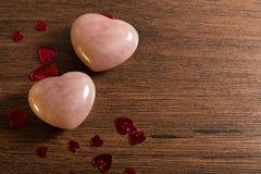2 каменных розовых сердца Стоковое Изображение