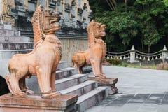 2 каменных льва высекли азиатское искусство Стоковые Изображения RF