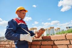 Каменщик рабочий-строителя стоковое фото