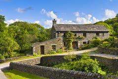 камень дома сельской местности установленный Стоковые Фотографии RF