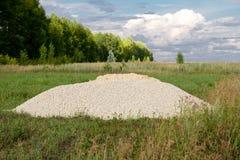Камень задавленный белизной для конструкции дома Стоковое фото RF