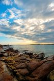 Камень и море стоковая фотография