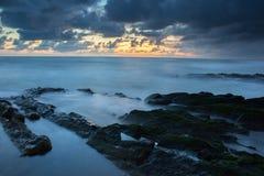 Камень и море Стоковые Изображения