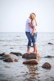 камень моря embrace пар Стоковое Изображение