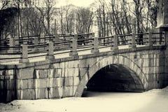 камень моста старый Стоковые Изображения
