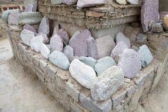 Камень на монастыре Lamayuru, Ladakh Mani, Индия Стоковые Изображения