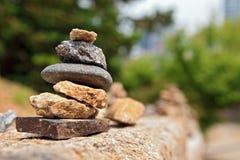 камень пирамиды из камней малый Стоковое Изображение