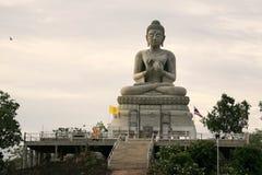 камень статуи знака руки Будды Стоковое Фото