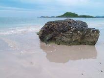 Камень с отражением Стоковые Изображения